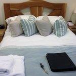Optimist Room - comfy bed