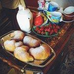 Breakfast))