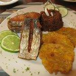 délicieux poisson, pêché dans les environs
