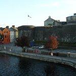 Castello e casette sul Shannon