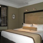 Un lit confortable, mais une chambre bruyante