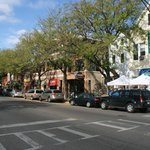 Roscoe Village , cafes, boutiques, restaurants and bars