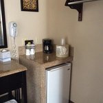 冷蔵庫、コーヒーメーカー