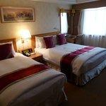 ダブルベッド+シングルベッドの部屋とても清潔