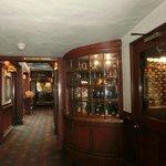 バーやレストランの入り口。
