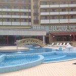 Вид со стороны бассейнов