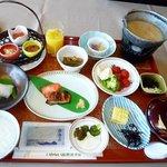 朝食和食膳