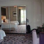 Room 414 - Plenty wardrobe & drawer space