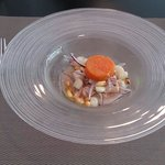 Ceviche clásico de pescado con boniato glaseado.