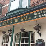 Foto van The Hole In The Wall