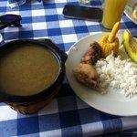 Almuerzo típico colombiano: sancocho