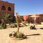 der offene Innenbereich des Riad sehr geschmackvoll