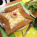 3 formages, lardrons, crème fraïche, salade