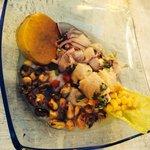 Ceviche met geroosterde mais en zoete aardappel