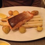 Main course - Salmon on a bed of asparagus and potatoes