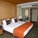 8th floor room (3)