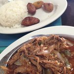 Shredded beef with white rice & plantains