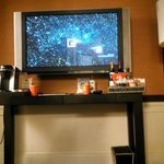 TV Mini Bar area