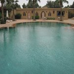 la magnifique grande piscine