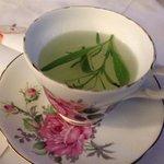 Fresh tarragon tea