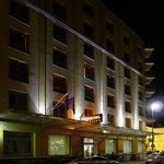 City Hotel, Outside