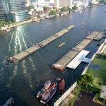 Nice view and reflecting sun on the Chao Praya River