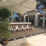 Beach bar with happy hour 5-7