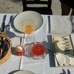 Frühstück mit Stil auf der Terrasse
