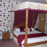 Room 5 - Pine Four Poster Bridal Suite