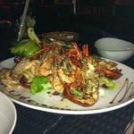 Plateau de fruit de mer : langouste, calamar, crevette...