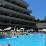 Rooms facing pool