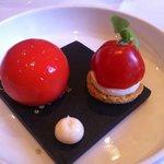 Klassieke en neiuwe versie van de tomaat mozzarella