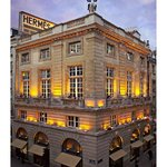 Hermes, 24 faubourg Saint Honoré, 75008 PARIS