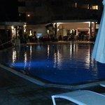 marmaris resort pool bar