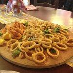Frittierte Fischplatte lecker
