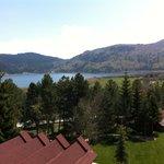 otelden odasından göl manzarası