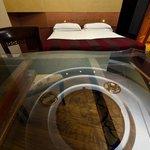 Particolare della stanza con l'astrolabio