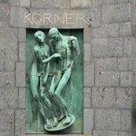 Edicola Korner- scultura di Adolfo Wildt