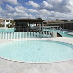 la piscine pour enfants (non chauffée!)