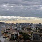 Vista de Porto Alegre a partir do quarto do hotel.