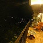 ночной вид с балкона номера