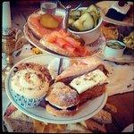 Sandwiches & Cakes Rack