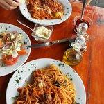 ravioli and spaghetti with ensalada