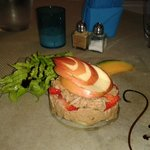 Mille-feuille de thon, pomme et fraises