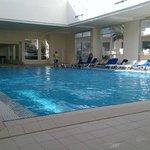 ampia piscina interna