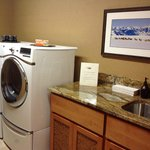 guest laundry room, 100% complimentary