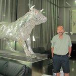 En el lobby del Hotel el infaltable toro, pero éste era muy particular