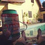 Piscina y Cerveza Balashi