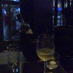 Um ótimo vinho a espera do jantar.