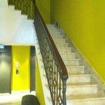 Acesso aos elevadores e escadas